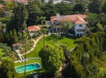 Angelina Jolie Buys Mansion Near To Brad Pitt's House In LA
